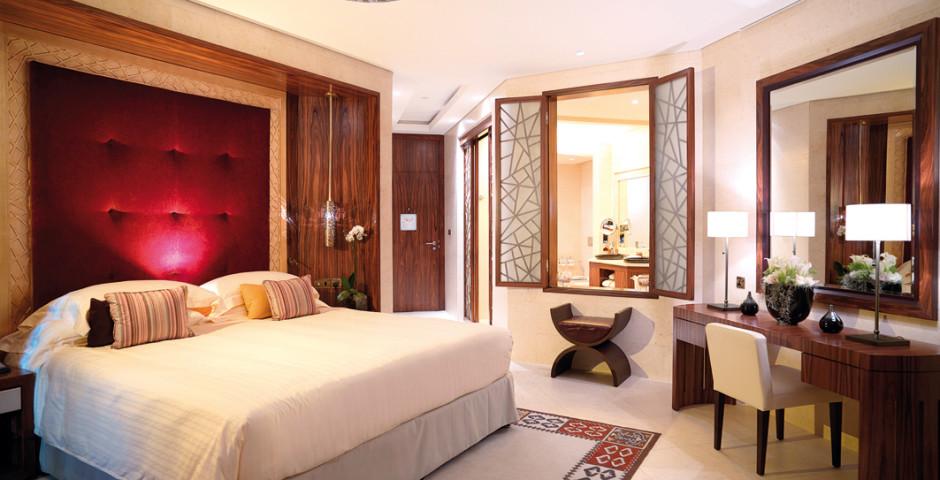 Signature Room - Raffles Dubai