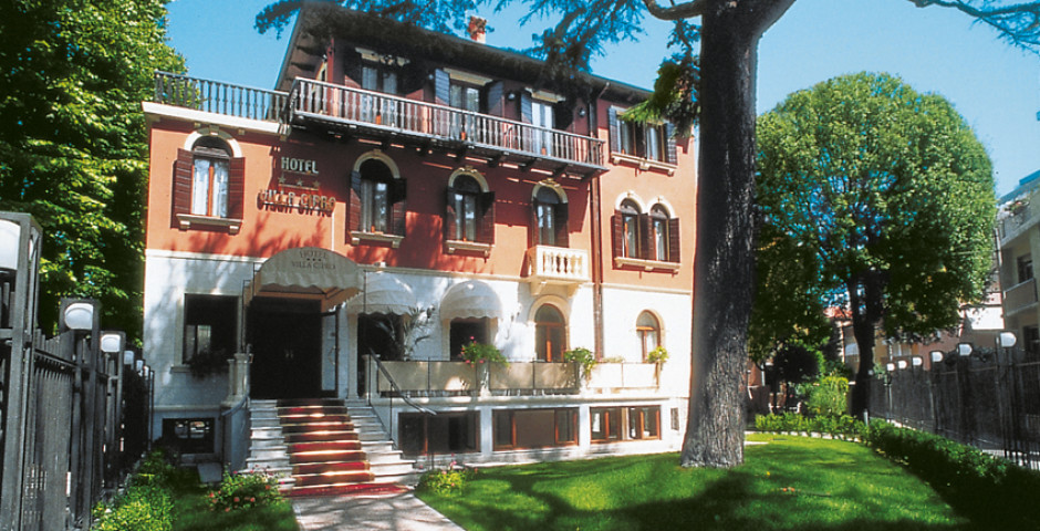 Villa Cipro, Lido
