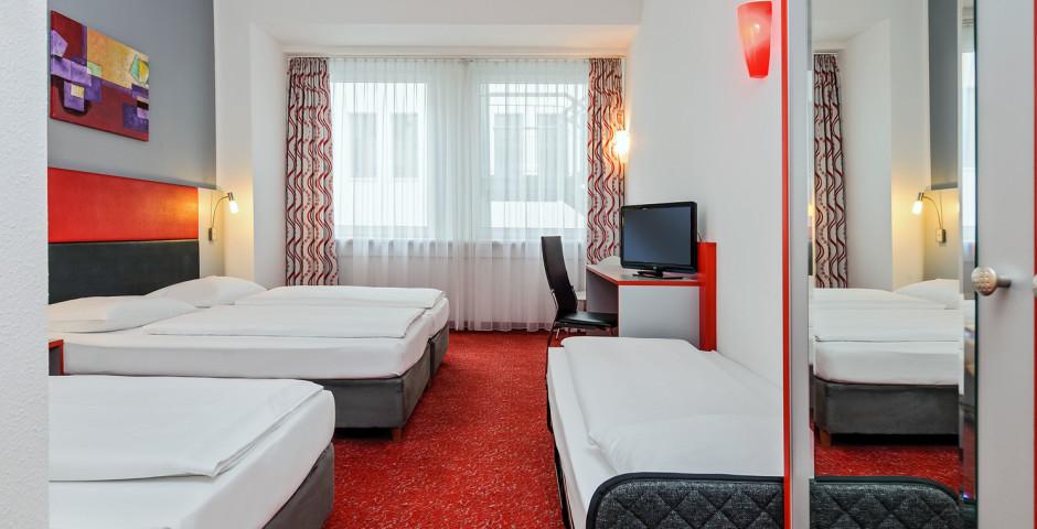 Dreibettzimmer - Ibis Styles Berlin Alexanderplatz
