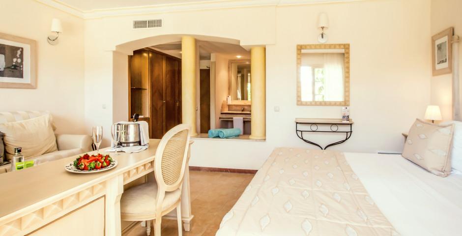 Junior Suite Premium - Vanity Hotel Suite & Spa