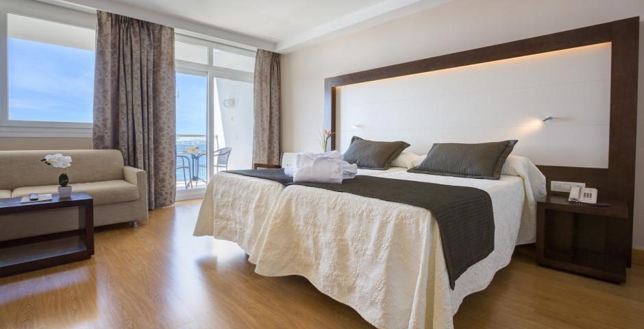 Doppelzimmer mit Meersicht - Hipotels Eurotel Punta Rotja