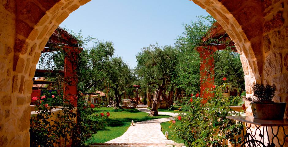 Paliokaliva Village