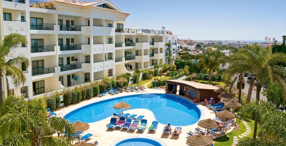 Cerro Mar Village & Resort