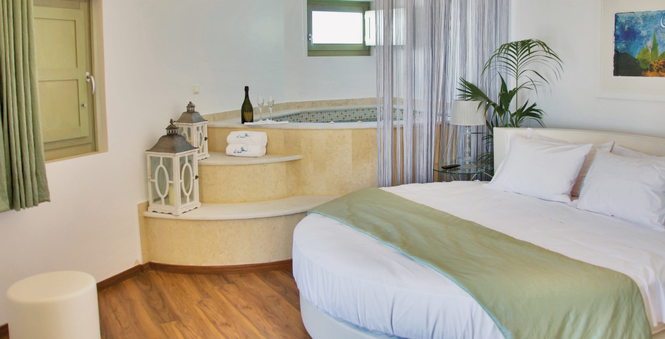 Honeymoon Suite - La Mer Deluxe Resort