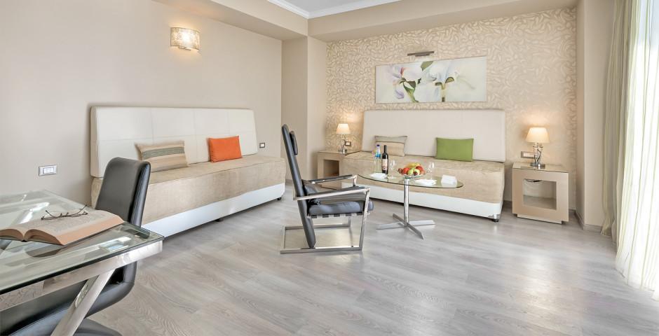 Abassador Suite - Atrium Platinum Luxury Resort Hotel & Spa