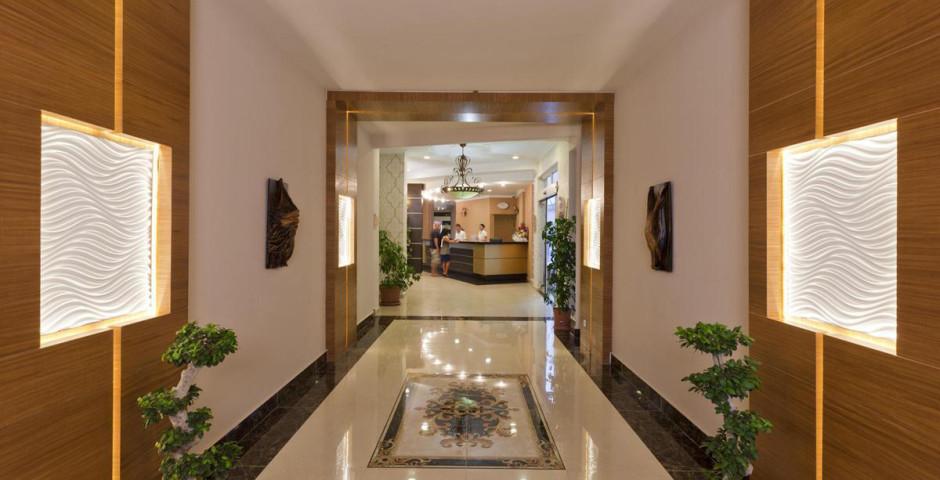 Monart City Hotel