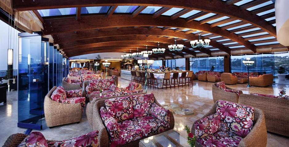 Granada Luxury Okurcalar