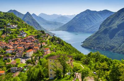 Des vacances au bord d'un lac en Suisse