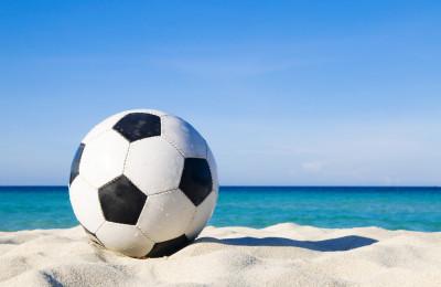2-in-1: Fussball-WM und Badeferien