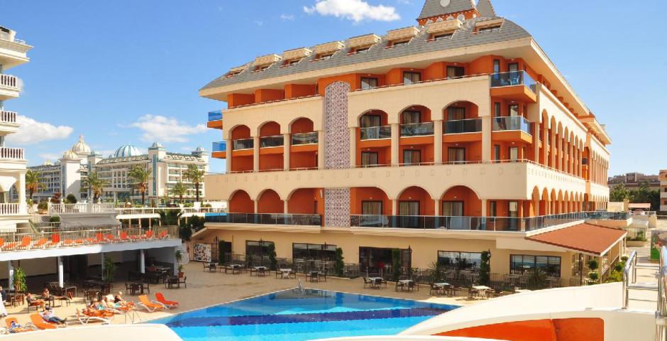 Hotel Orange Palace Side