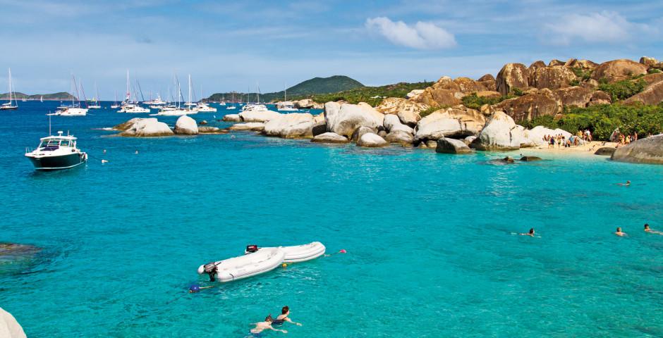 Boote im karibischen Meer