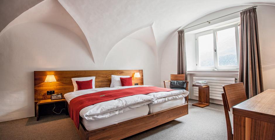 Doppelzimmer Guarda - Romantik und Boutique-Hotel GuardaVal (inkl. Skipass (Wi) / Bergbahnen (So) und Bad Scuol)
