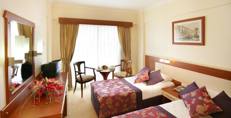 Saphir Hotel& Villa