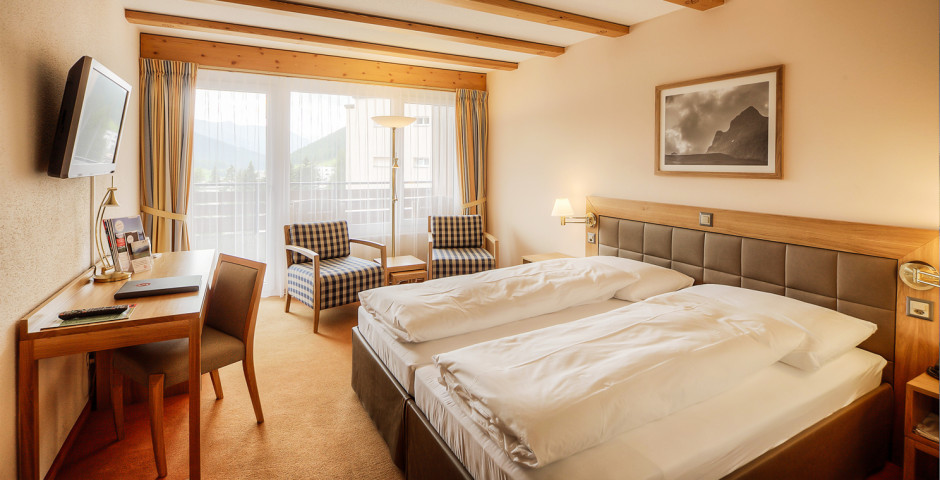 Doppelzimmer Balkon - Sunstar Hotel Davos - Sommer inkl. Bergbahnen