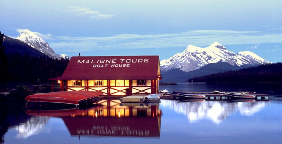 Maligne Lake Boathouse - Jasper