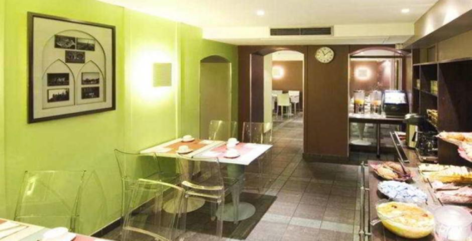 Magenta Paris Hotel