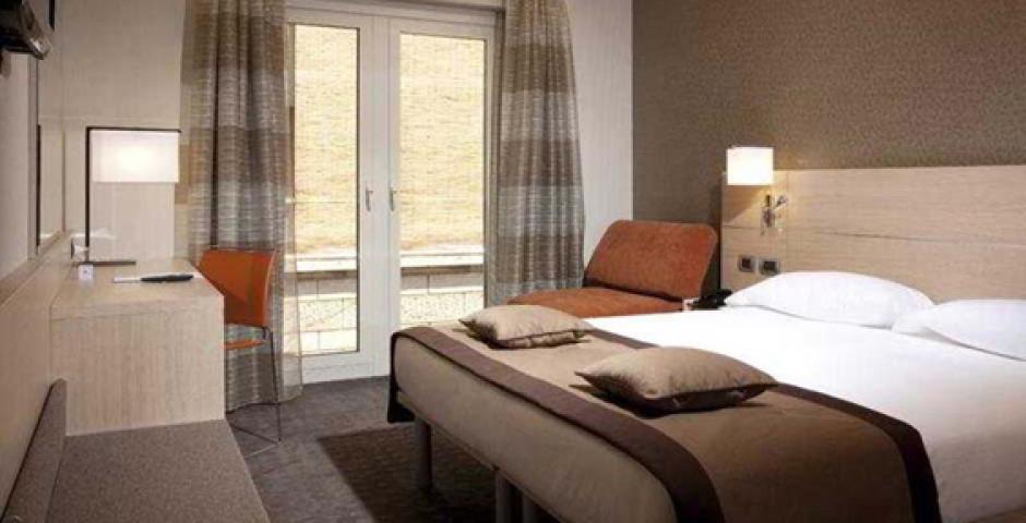 iQ Hotel Roma