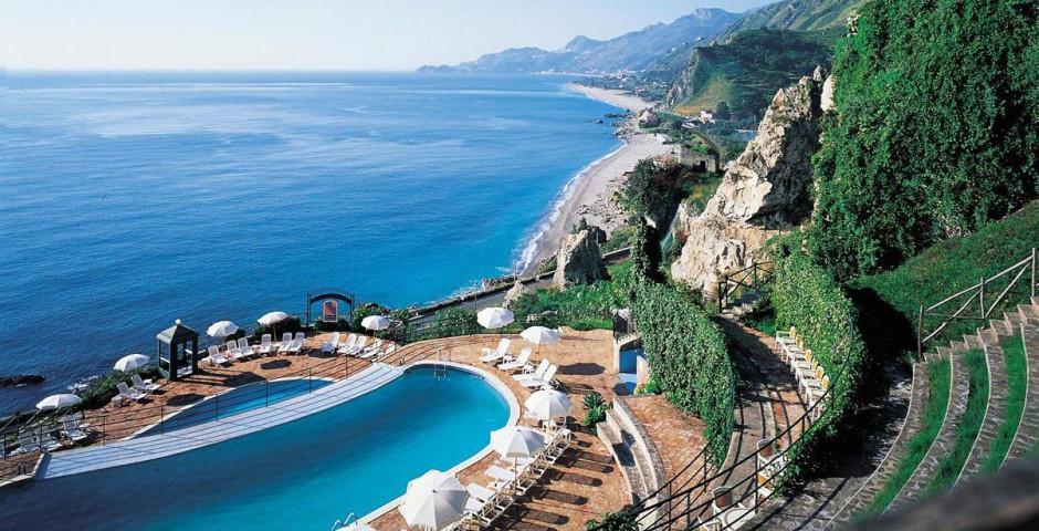 Baie Taormina Grand Palace Hotel & Spa