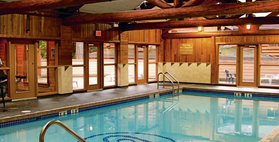 Pool - Tigh-Na-Mara Seaside Spa Resort