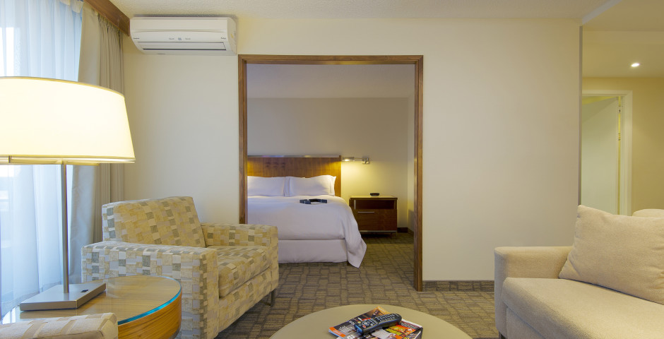 Studio - International Hotel Calgary