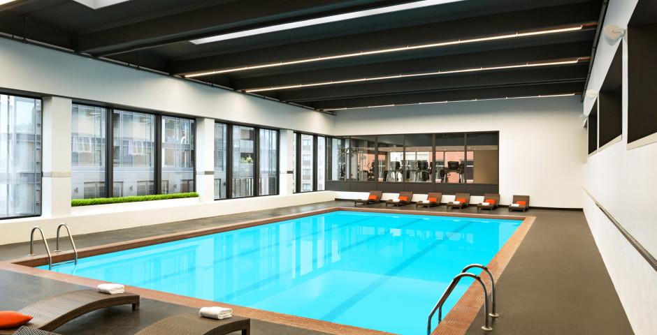 Pool - Hotel Pur