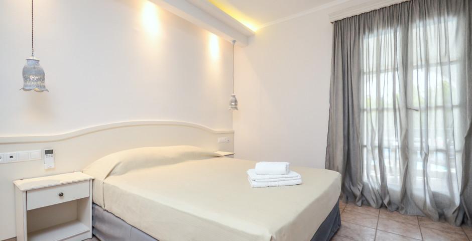 Spiros Hotel