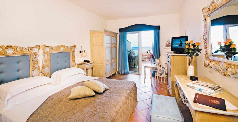 Colonna Pevero Hotel