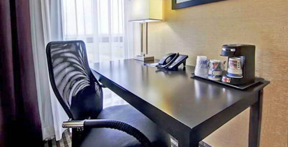 Best Western Plus Toronto North York Hotel & Suites
