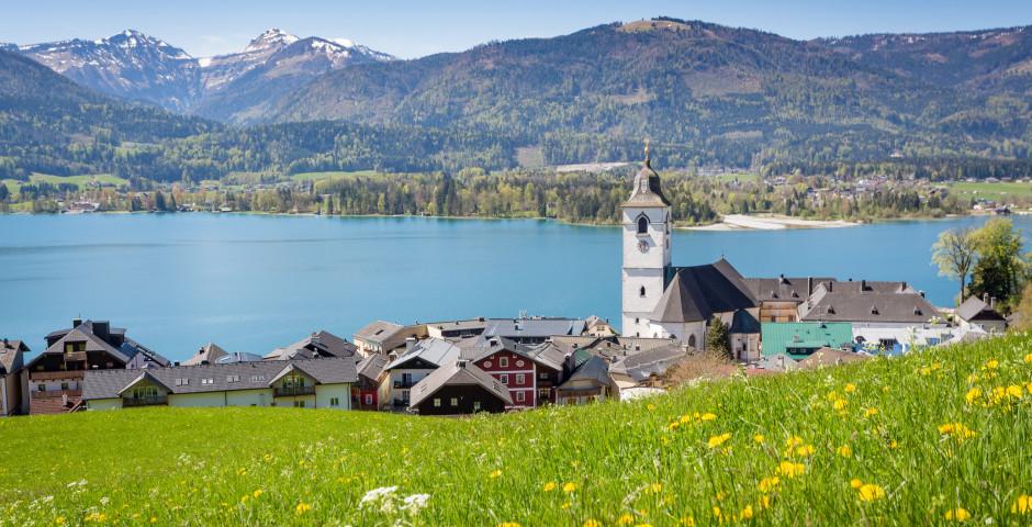 Blick auf das Dorf St. Wolfgang und Wolfgangsee - Salzkammergut