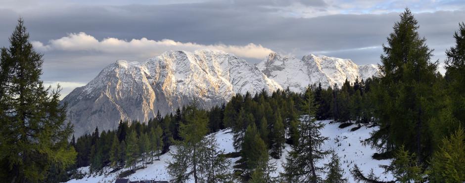 Sicht von Tauplitz auf den Berg Grimming