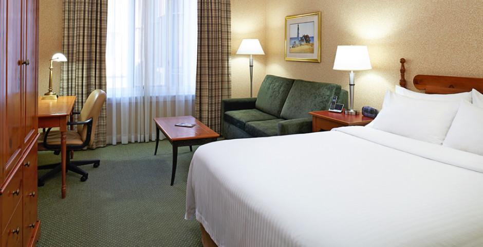 Standard Room Queen - Delta Halifax