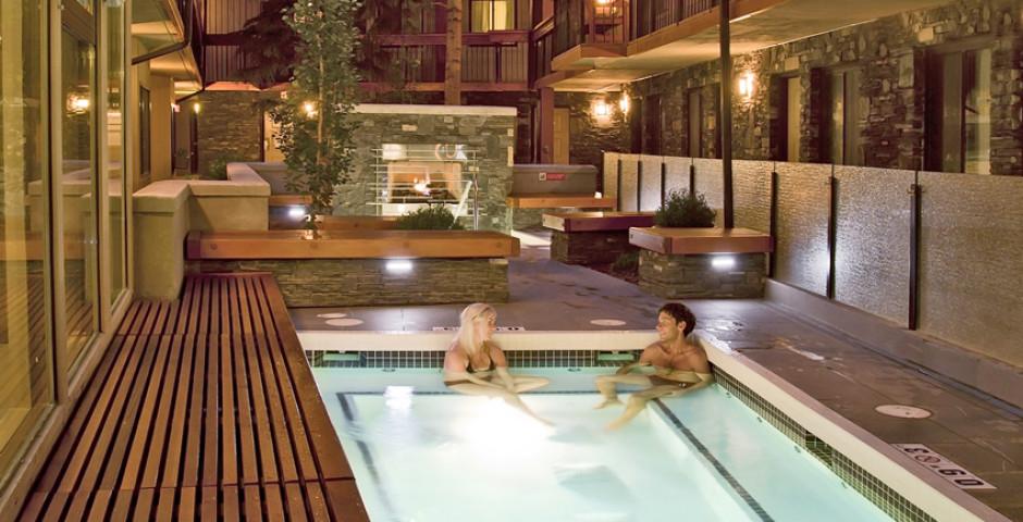 Pool - Banff Aspen Lodge