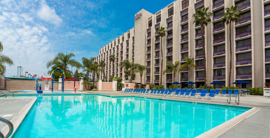 Knotts Berry Farm Resort Hotel