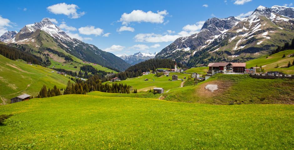 Vue sur la montagne Biberkopf en été - St. Anton am Arlberg