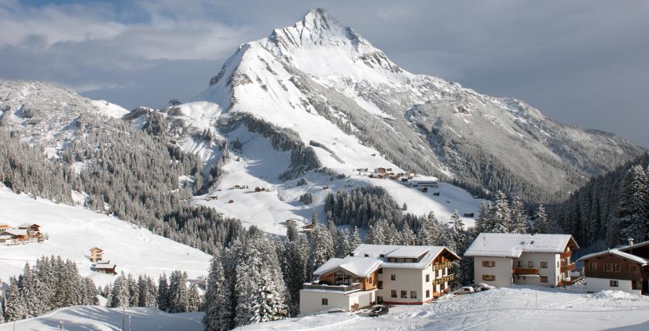 Vue sur la montagne Biberkopf en hiver