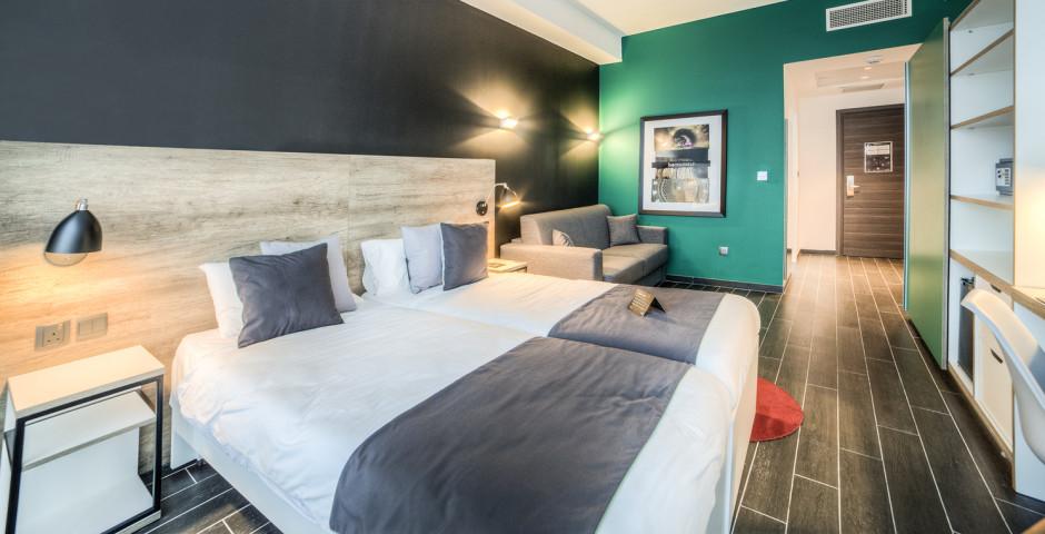 Doppelzimmer - be.Hotel