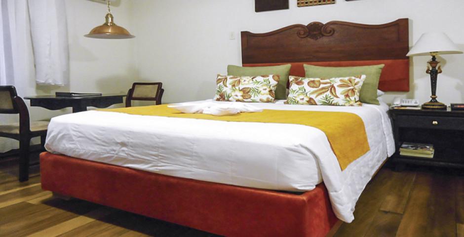 El Rodeo Hotel & Country Inn