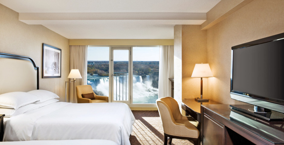 Superior Falls View Room 2 Queen - Sheraton on the Falls
