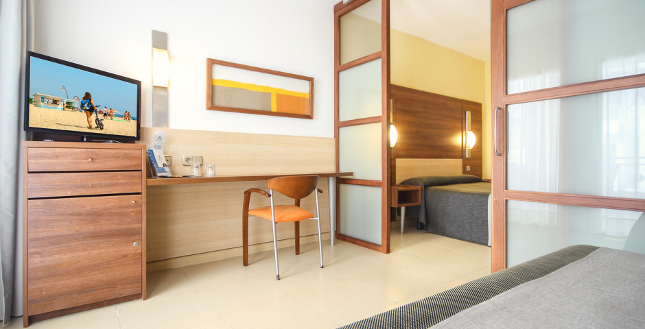 Familienzimmer - Aqua Hotel Aquamarina & Spa