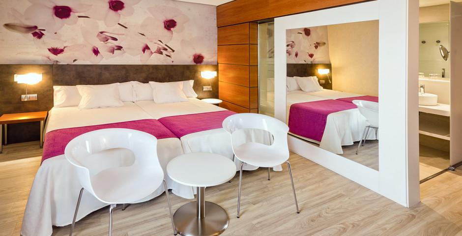 DoppelzimmerSuperior - Sumus Hotel Monteplaya
