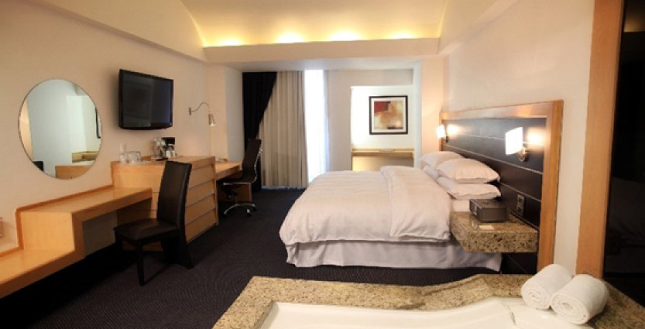 Four Points by Sheraton Mexico City