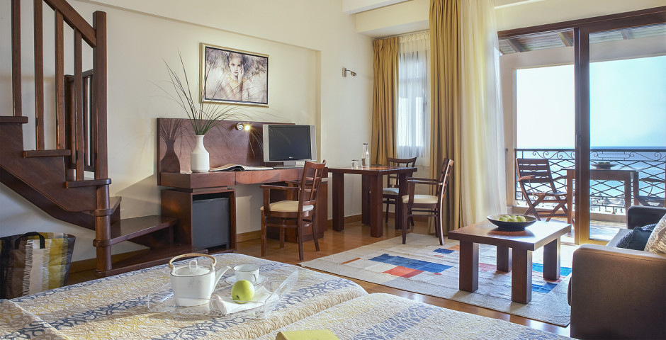 Deluxe Suite - Anthemus Sea Beach Hotel & Spa