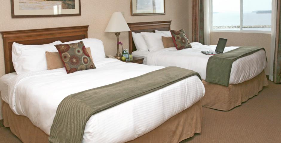 Landside or Oceanfront room 2 double - Atlantica Hotel & Marina Oak Island