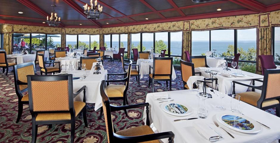 Restaurant Le Charlevoix - Fairmont Le Manoir Richelieu