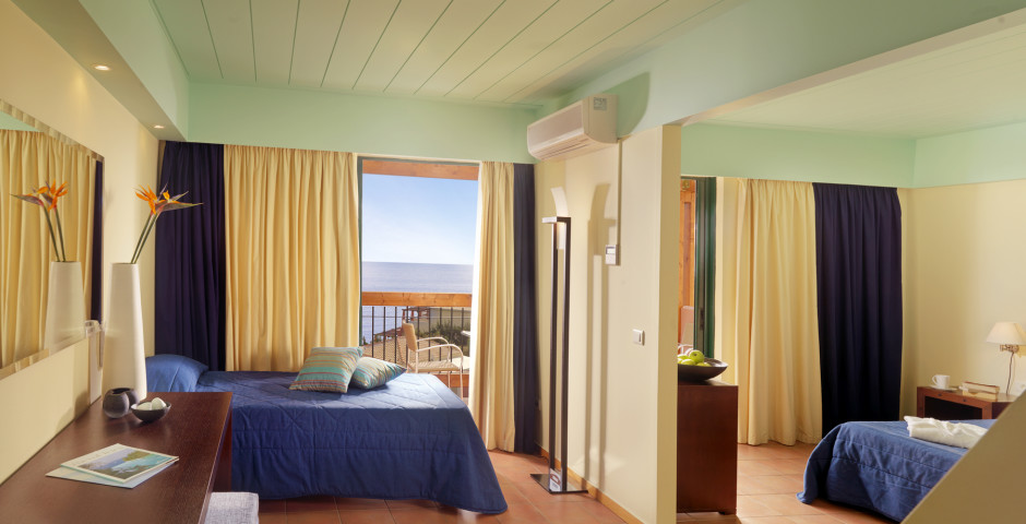Familienzimmer - Apostolata Island Resort & Spa