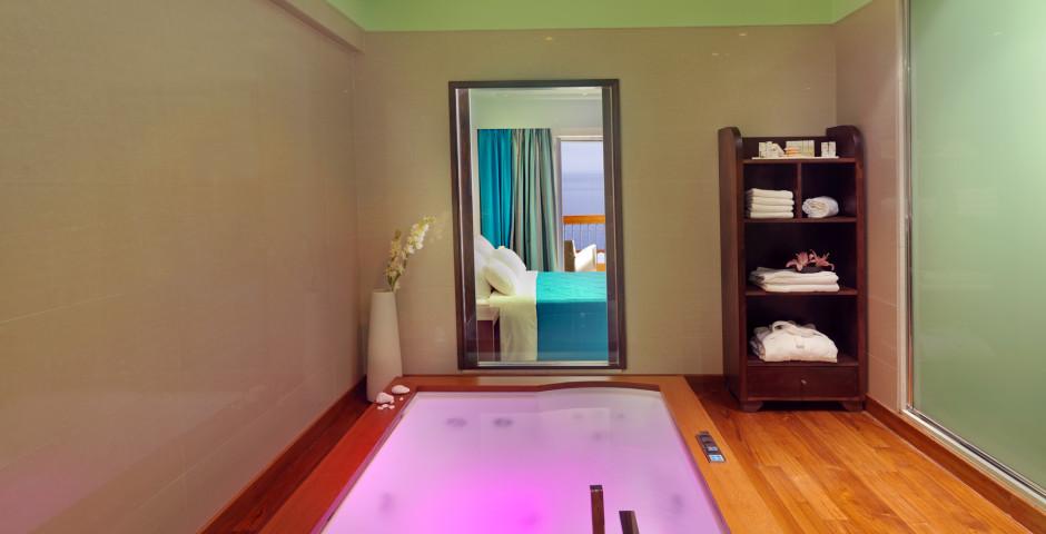 Suite mit Whirlpool - Apostolata Island Resort & Spa