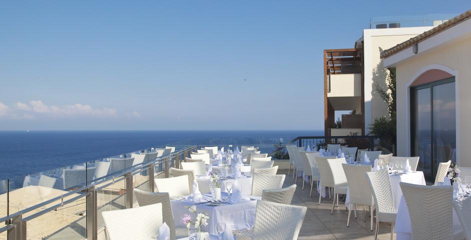 Apostolata Island Resort & Spa