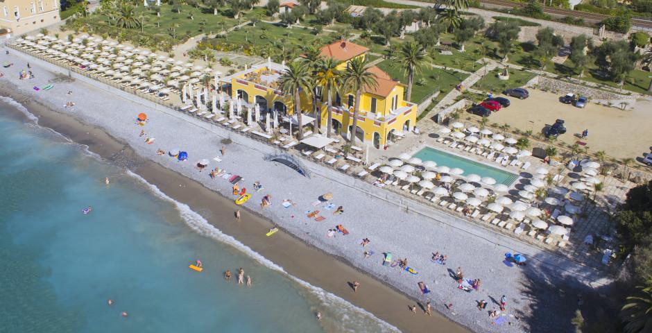 "Restaurant, Pool und Strand - Gebäude ""Villa Eva Beach"" - Hotel Villa Eva"
