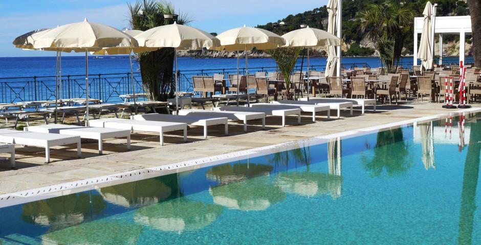 "Pool - Gebäude ""Villa Eva Beach"" - Hotel Villa Eva"
