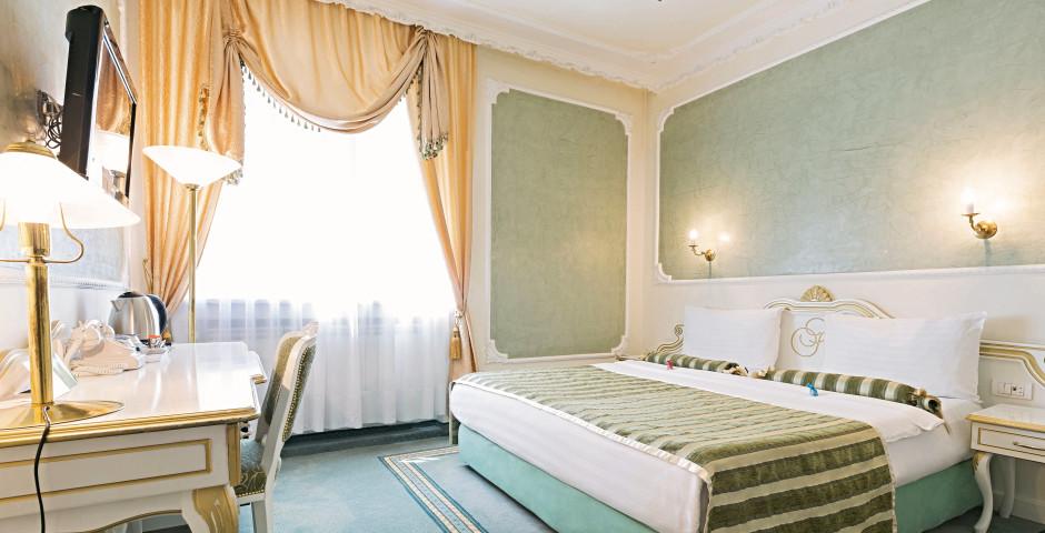 Queen's Astoria Design Hôtel